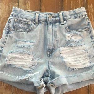 American Eagle Distressed Mom Jean Shorts 00